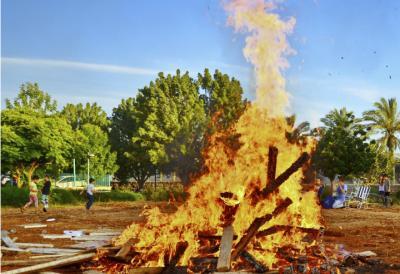 Lag Ba'Omer Bonfire